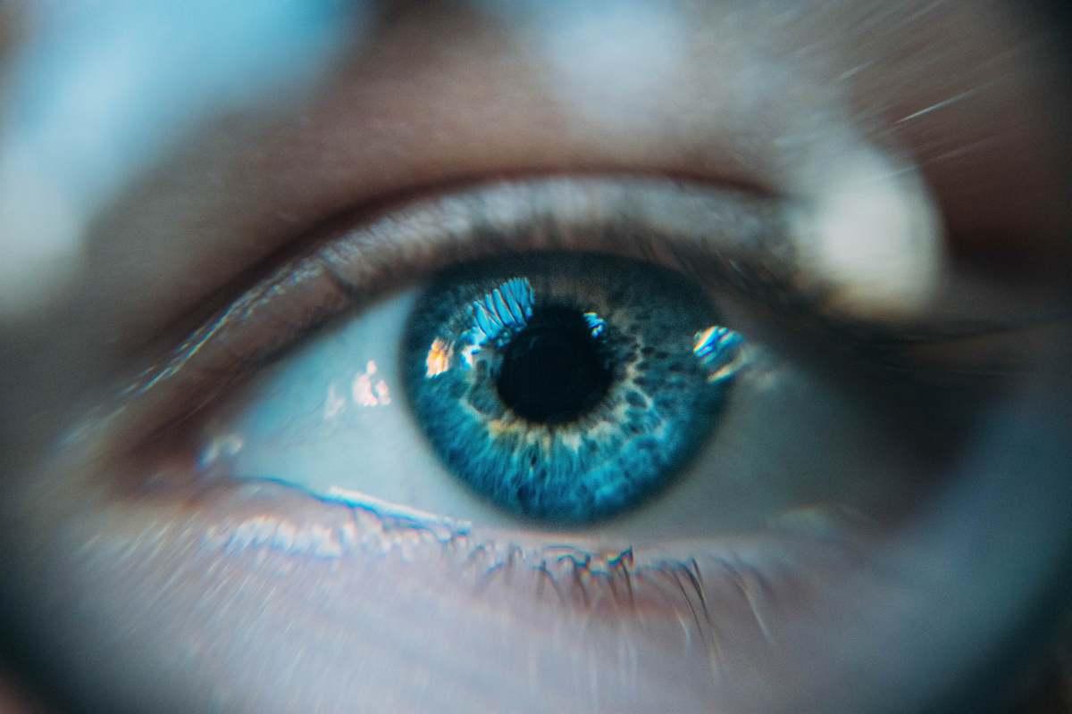 Niejestem kolorem swoich oczu